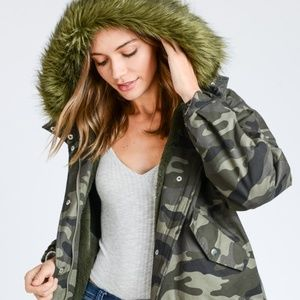 CAMOUFLAGE JACKET WITH FAUX FUR HOODIE
